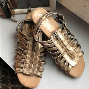 Bronze wedge sandal